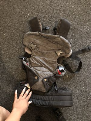 Baby carried & diaper bag for Sale in Philadelphia, PA