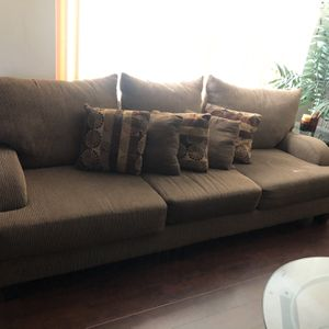 Living Room Sofa, Love Seat, Coffee & 2 End Tables In Excellent Condition! for Sale in Spring Valley, CA
