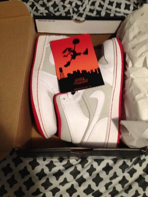Jordan retro 1 hare size 9.5 for Sale in Brockton, MA
