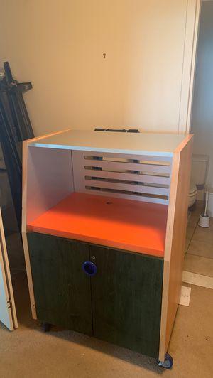 Computer desk for Sale in West Hartford, CT