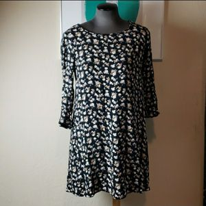 Forever 21 Size Medium Floral Dress for Sale in Redmond, WA
