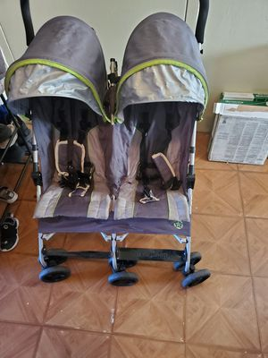 Jeep double stroller for Sale in New York, NY