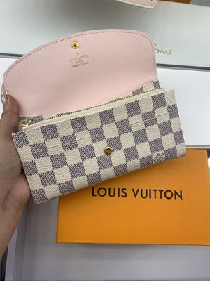 Louis Vuitton wallet pink loui for Sale in Orange, CA