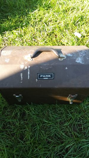 VINTAGE PARK TOOL BOX OR FISHING BOX for Sale in TEMPLE TERR, FL