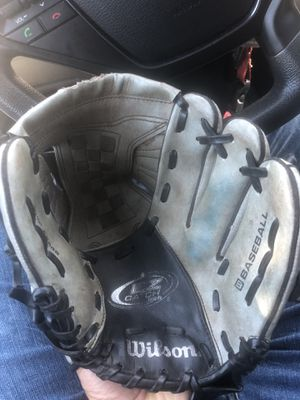"Wilson A2449 10.5"" inch baseball glove for Sale in Phoenix, AZ"