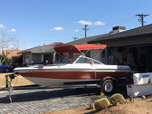 17 foot Chris Craft Boat 200 Mercury for Sale in Scottsdale, AZ