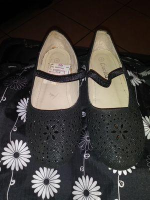 Black glitter shoes girl #4 like a new for Sale in San Bernardino, CA