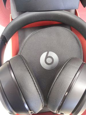 Beats Solo3 Black Headphones for Sale in Chicago, IL