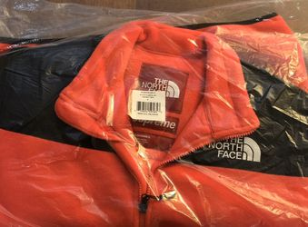 Supreme The North Face RTG Fleece for Sale in Redmond,  WA