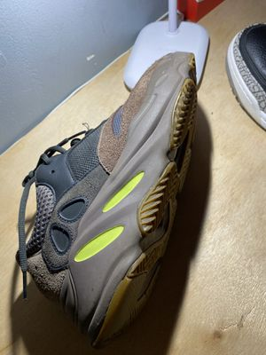 Yeezy 700 mauve for Sale in Fort Mill, SC
