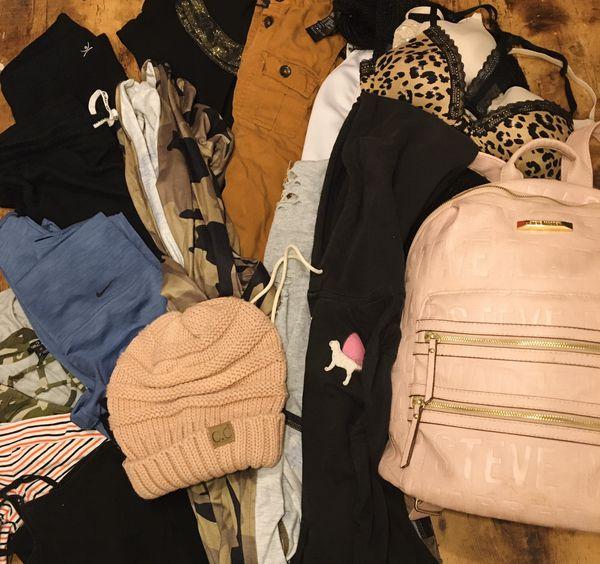 Woman's sz small bundle