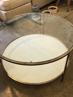 Beautiful Glass Coffee Table for Sale in Columbus,  OH