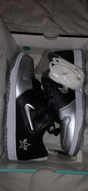 Nike SB Dunk Low Supreme Jewel Swoosh Silver for Sale in Austin, TX