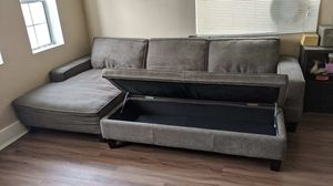 Couch for Sale in Hawaiian Gardens, CA