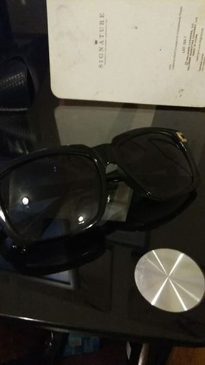 Womens Gucci sunglasses for Sale in Chicago, IL