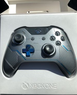 Xbox controller Pending for Sale in Port Orchard, WA