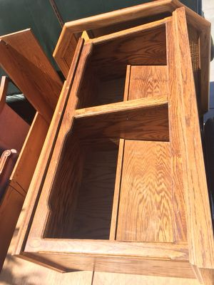 Small bookshelf/ console table for Sale in Bakersfield, CA