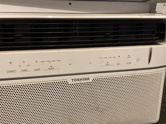2 Excellent Condition Window Ac Units 50$ Ea for Sale in Portland,  OR