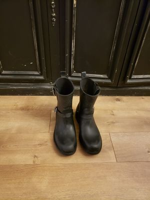 Sam edelmam women rain boots in good condition black for Sale in Los Angeles, CA