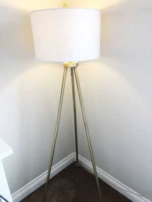 Floor lamp for Sale in Rancho Santa Margarita, CA