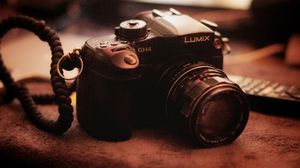 LUMIX GH4 Professional 4K Mirrorless Kit for Sale in Sacramento, CA