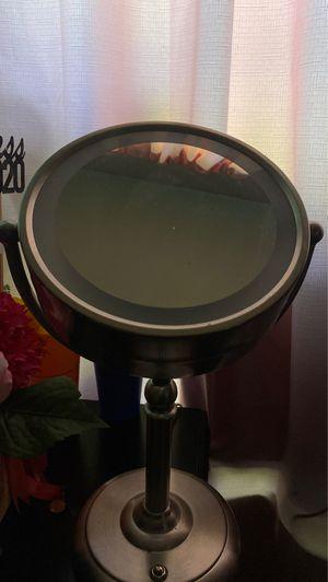 Cute vanity mirror for Sale in Dallas, TX