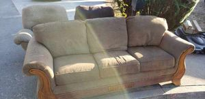 Free couch and recliners for Sale in Claremont, CA