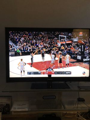 """Samsung 52"""" LCD TV - Model Number LN52B550 - Excellent Condition for Sale in Brooklyn, NY"""