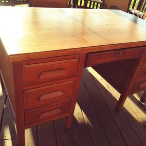 Oak Wood Vintage Teachers Desk for Sale in Manheim, PA