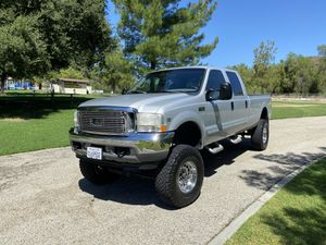 Ford F-350 4 Wheel Drive V10 Gas for Sale in Castaic, CA