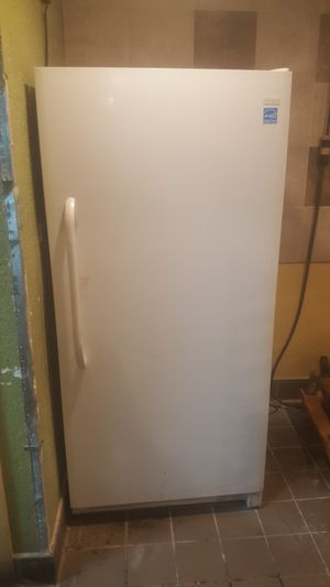 Frigidaire Vertical Freezer for Sale in Plantation, FL