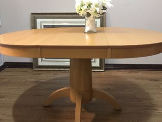 Overweight solid wood dining table 60*42*30 inches Like New for Sale in Houston,  TX