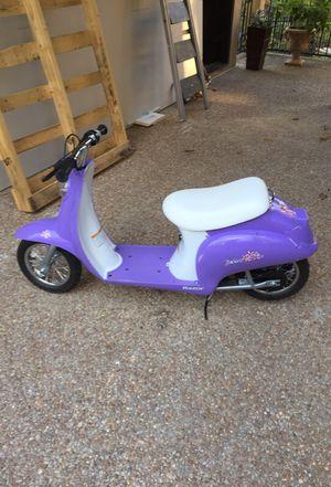 Razor electric moped 12 mph for Sale in Atlanta, GA