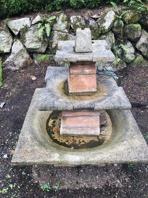 Al's garden art Quadrate 3 tier fountain for Sale in Bellevue, WA