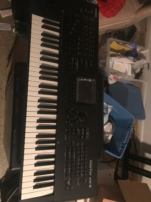 Keyboard with Stand & Microphone with Headset for Sale in Adelphi, MD