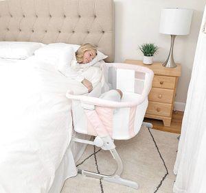 Baby Delight Beside Me Dreamer Bassinet & Bedside Sleeper (Peony Pink) for Sale in Las Vegas, NV