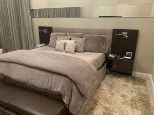 Sklar bedroom and recliner chair for Sale in Boca Raton, FL