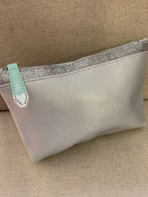 New- IPSY Cosmetic/Accessories Beauty Case-Color Metallic Silver with Bling Trim & Pastel Turquoise Zipper for Sale in Calimesa, CA