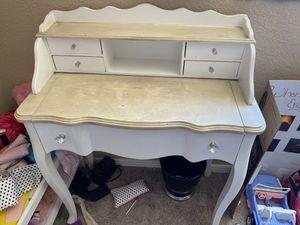Kids desk for Sale in Scottsdale, AZ