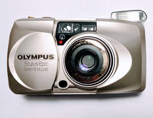 ***MINT*** OLYMPUS STYLUS ZOOM 170 DELUXE w CASE for Sale in New York, NY