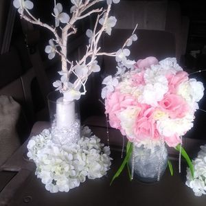 Some Need Tlc But Good Wedding Center Pieces 14 Pieces. And 4 Pink for Sale in Hayward, CA