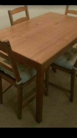 Dining table with 4 chair,( wooden set ) like new , for Sale in Cleveland, OH
