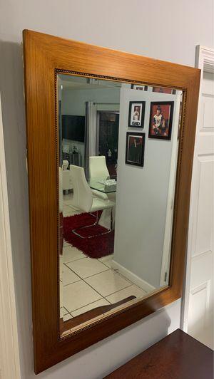 Espejo en perfectas condiciones for Sale in Miami, FL
