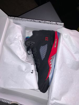 """Jordan 5 """"Top 3"""" size 6y for Sale in The Bronx, NY"""