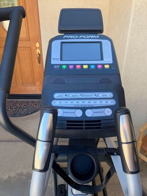 Really Nice Elliptical Workout Machine for Sale in San Diego, CA