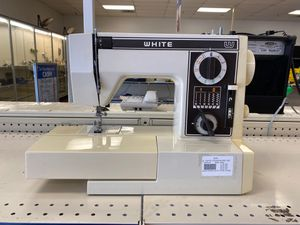 White sewing machine for Sale in Charlotte, NC