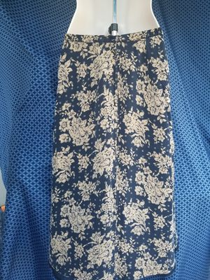 Talbots Pure Silk Pencil Skirt for Sale in Webberville, TX