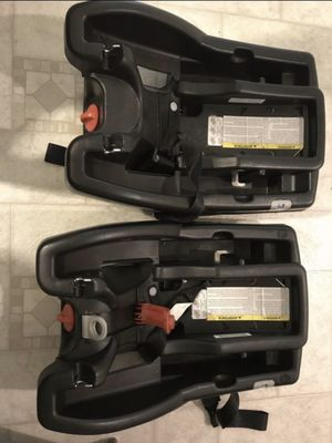 2 Graco Car Seat Base for Sale in Livermore, CA