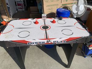 Air hockey game table, for Sale in Lake Stevens, WA