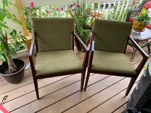 Wood office chairs for Sale in Alpharetta, GA